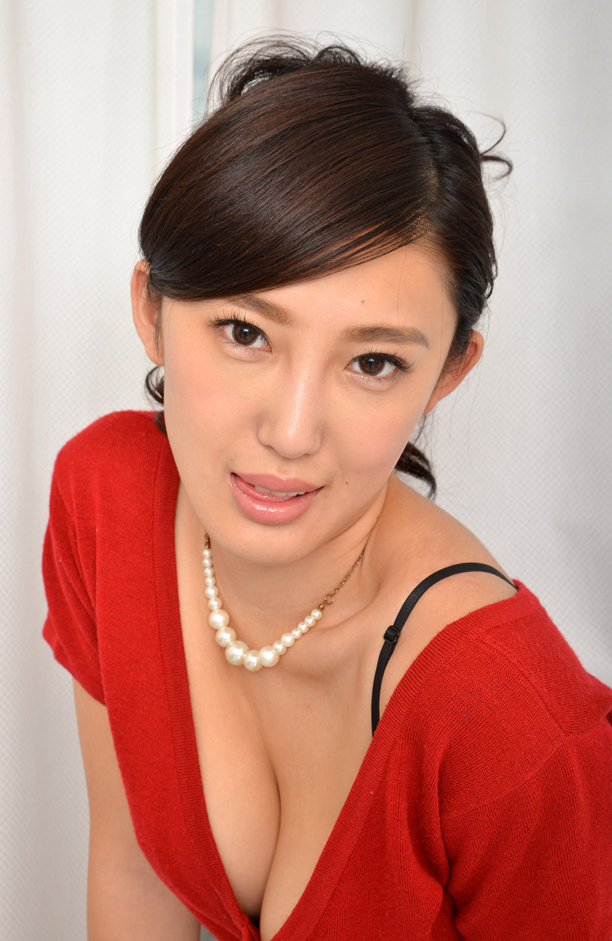 anna-morikawa-pics-2-gallery