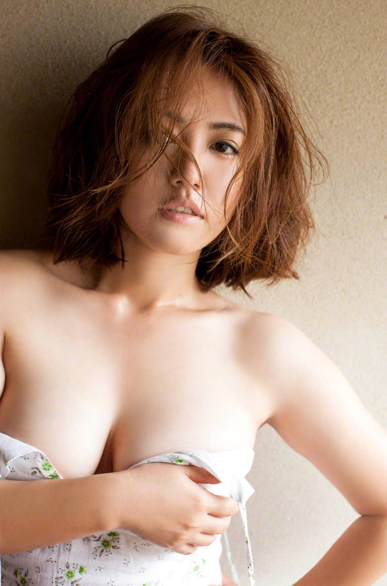 Isoyama nackt Sayaka  Sayaka Isoyama